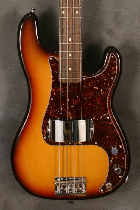 A modern recreation of early 1960's basses with a full size P or J body and vintage size fretwire.